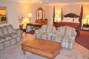 Merced Inn and Suites - Spacious Suite