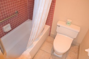 Merced Inn and Suites - Private Bathrooms