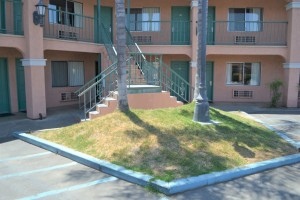 Merced Inn and Suites - Exterior Stairs