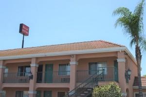 Merced Inn and Suites - Exterior Corridors